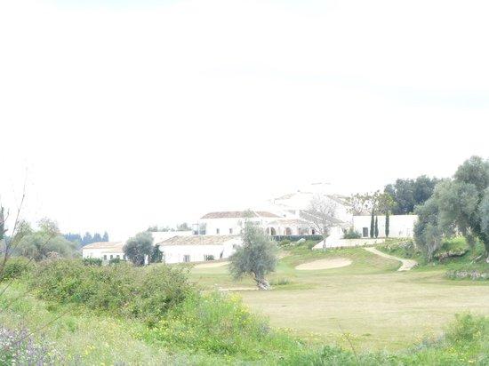 I Monasteri Golf Resort : Vista dell'hotel