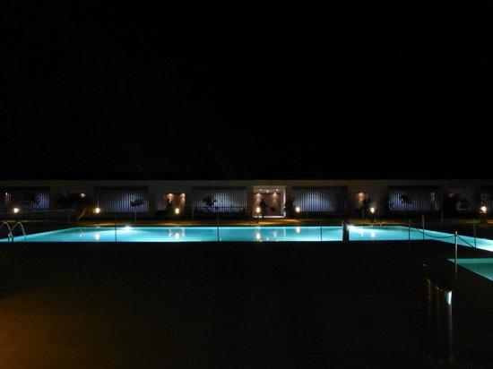 I Monasteri Golf Resort : La piscina