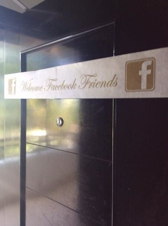 Secrets Wild Orchid Montego Bay : They love their facebook friends!
