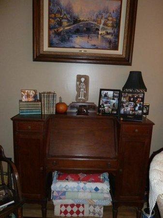 Plum Duff House: Antiques