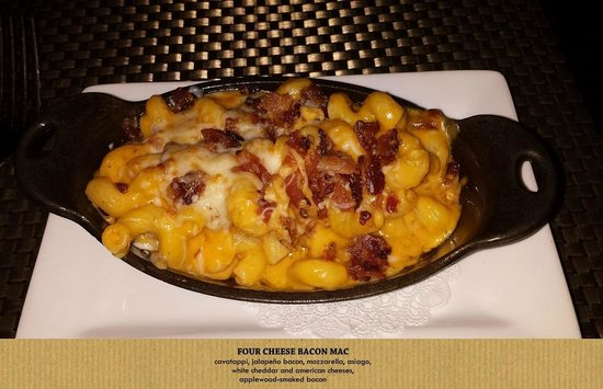 DESTIHL-Champaign : Four Cheese Mac and Jalapeno Bacon!