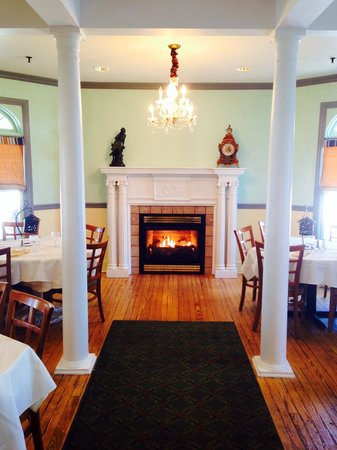The Grenville: Beautifully redone dinning room