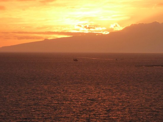 HOVIMA Atlantis: Sunset from 1 of our two balconies