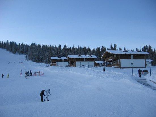 Gornaya Salanga: Горные шале и лыжная трасса.