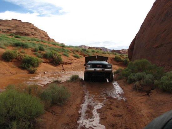 Monument Valley Navajo Tribal Park: strada all'interno del Parco