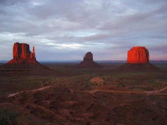 Monument Valley Navajo Tribal Park: che tramonto!!!