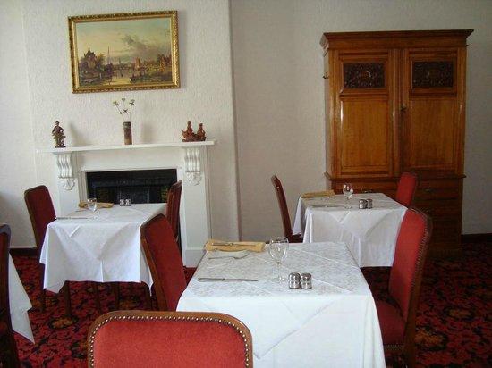 Firs Hotel: Restaurant