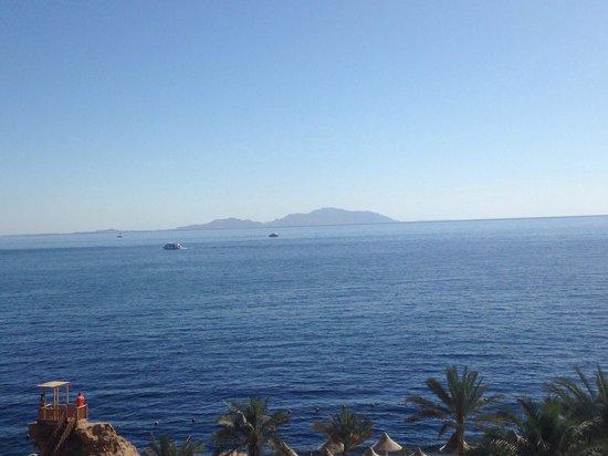 Dreams Beach Resort : Tiran Island, from cliff top at Dreams Beach.