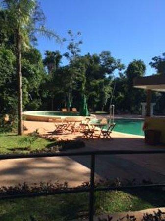 Yvy Hotel de Selva: La pileta, buenísima!