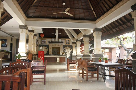 Troppo Zone Puri Rama Resort : Puri rama breakfast area + reception desk