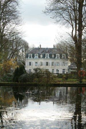 Najeti Hotel Chateau Clery: Vue du parc
