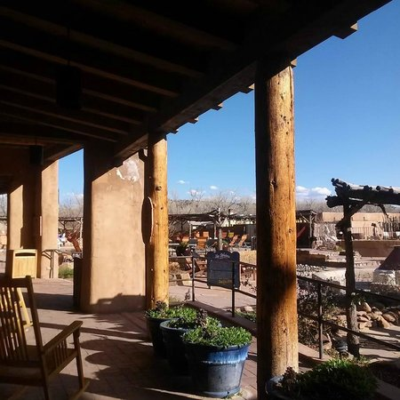 Ojo Caliente Mineral Springs Resort and Spa: Beautiful grounds