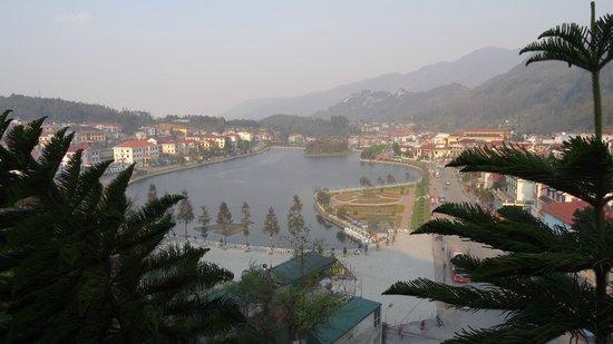 Victoria Sapa Resort and Spa : Vue sur le lac de Sapa