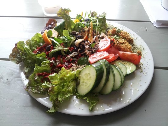 Prana Kafe : A salad that keeps you going for hours
