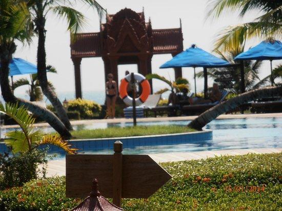 Sokha Beach Resort: Piscina