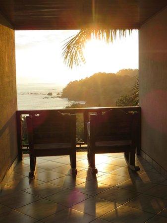 Hotel Costa Verde : View of sunset from Studio Plus II hallway (3rd floor)