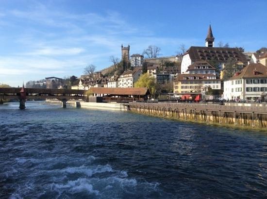 Old Town Lucerne : Набережная Люцерна