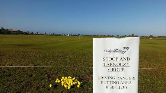 Costa Ballena Ocean Golf Club: Edda Huzid Golfacademy, reservations on the range