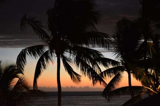 Outrigger Fiji Beach Resort : suset