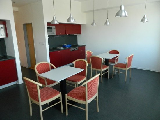 Hotel Abito: Отличная кухня-столовая