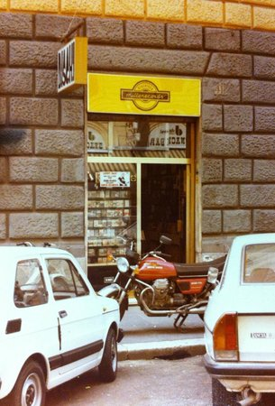 Millerecords Music Store: Historical site on Via dei Mille 41 since 1966 to 2009