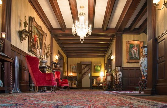 The Samuel Culbertson Mansion Bed and Breakfast Inn : Main Entrance Hall