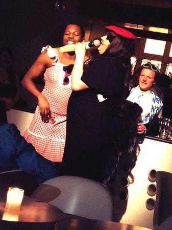 Supperclub Amsterdam: la cantante Miss Bunty: bravissima!