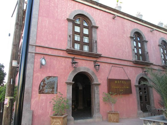 Posada de las Flores Loreto: Entrata hotel