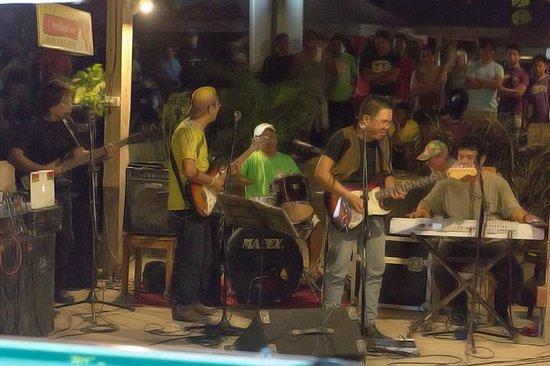One 4 Da Road : Band....