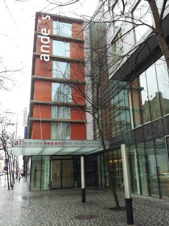 andel's by Vienna House Prague: Hotel from outside