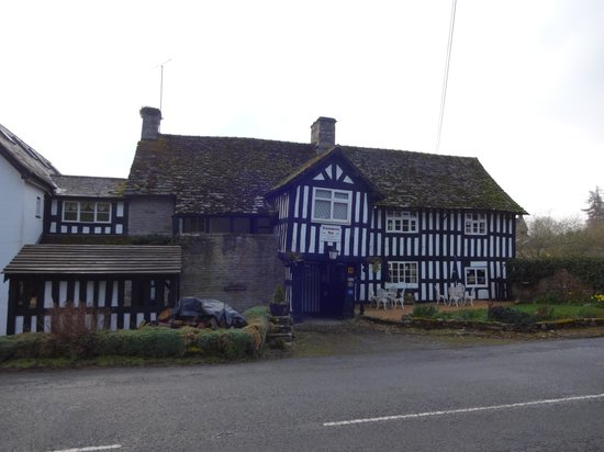 Rhydspence Inn: The front of the Inn