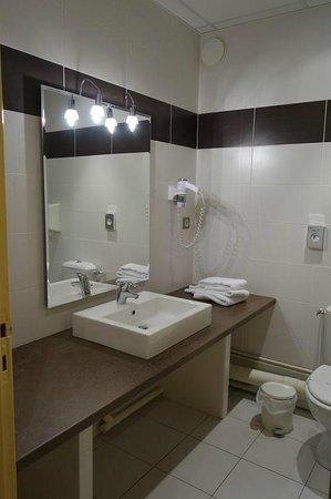 Hotel Le Chantry : Good size bathroom
