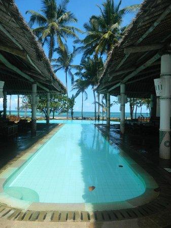 Neptune Village Beach Resort & Spa: вид на океан