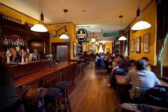 The Trinity Irish Pub: :)