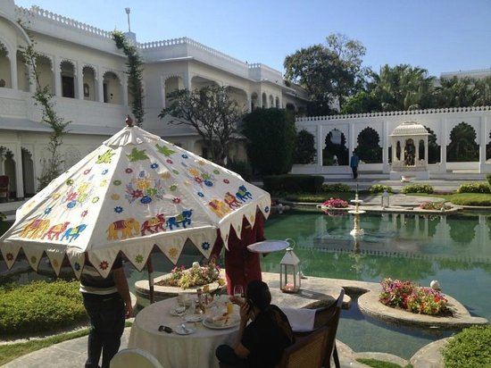 Taj Lake Palace Udaipur: Hotel Garden