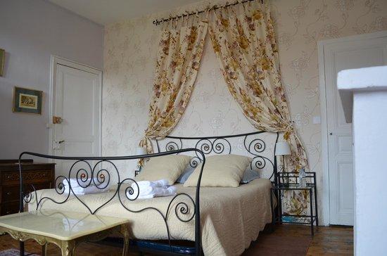 Maison Prades : Chambre Lavande