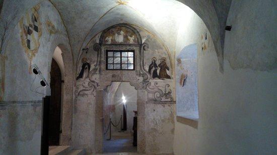 Castel Thun: Ingresso alla cappellina