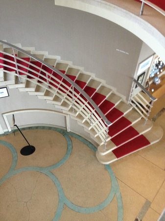 The Rotunda Bar : The staircase from above