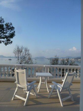Hotel Illa d´Or: Balcony faces south