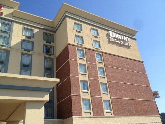 Drury Inn & Suites Meridian : exterior of hotel