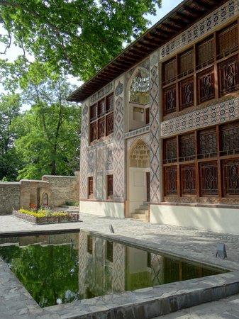 Sheki, Azerbaijan: Hauptfassade