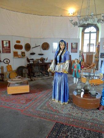 Sheki Khan's Palace : Ausstellung in der Kirche beim Palace