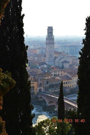 Piazzale Castel San Pietro: vista!!!!