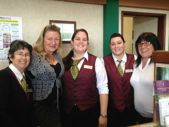 Rogue Regency Inn: STAFF