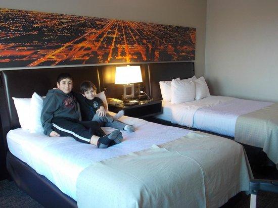 Holiday Inn Chicago Mart Plaza River North : Modern Clean Design