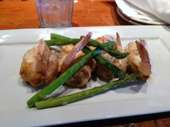 Crescent City Brewhouse : crab stuffed shrimp with asparagus