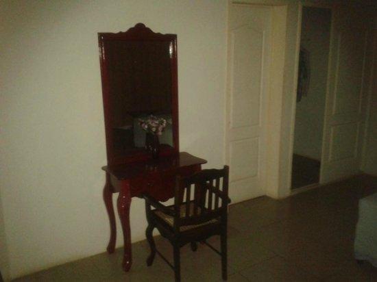 Hotel Brial Plaza: Espejos