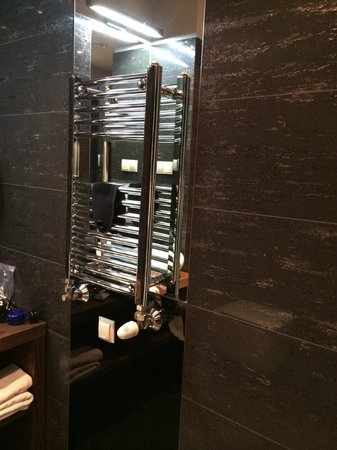 Hotel Unicus : bathroom