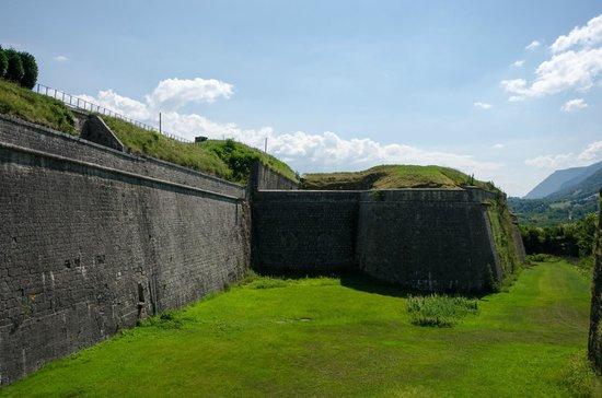 "Fort Barraux : Les fossés ""à la Vauban"""