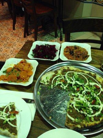 Manou Ba Shouk : Great food